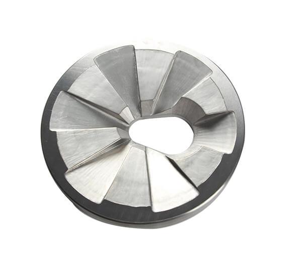 Static disc with feeding hole