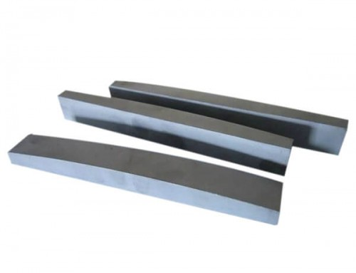 Carbide strips and bars for VSI crusher